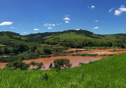 Fundao dam spill polluted river